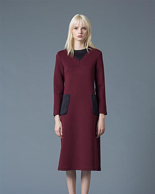 秋冬新款圆领弹性瘦身中长款长袖撞色连衣裙