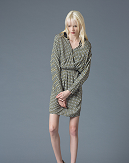 新短款褶皱个性V领连衣裙