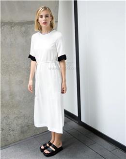 清新白色系带一步连衣裙