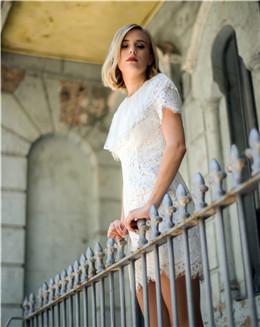 高贵优雅白色蕾丝连衣裙