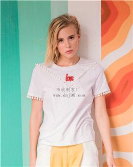 纯色休闲拼接点缀纯白色T恤
