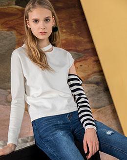 秋冬款纯白拼接款长袖毛衣