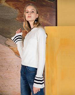 冬装短款长袖黑白荷叶边修身纯色毛衣