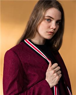 百搭蕾丝拼织带休闲短外套