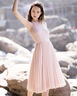 新款粉色收腰百褶背心连衣裙
