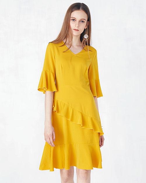 新款喇叭袖荷叶边雪纺连衣裙