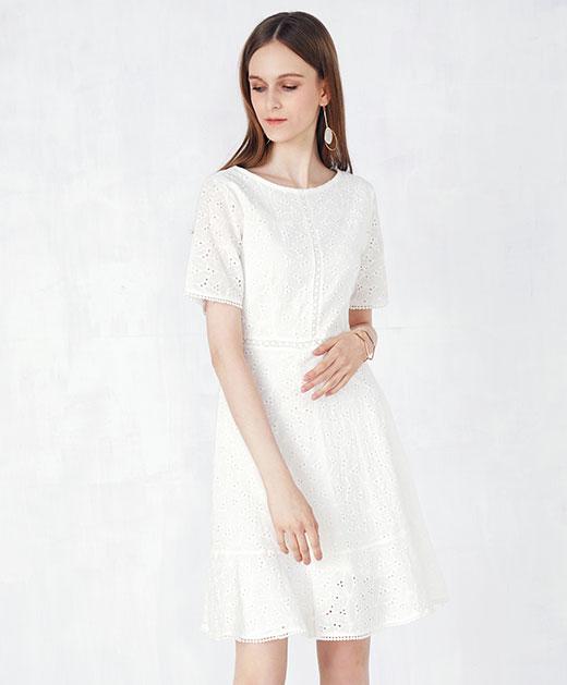 圆领蕾丝鱼尾连衣裙