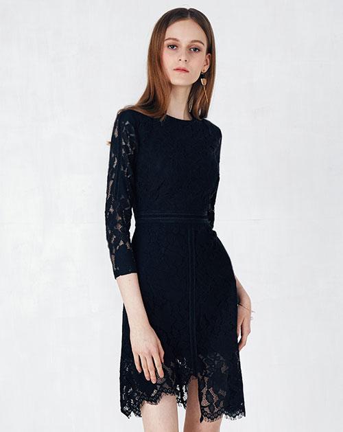 不规则收腰镂空蕾丝连衣裙