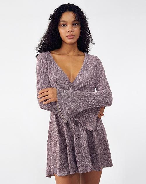 外贸服装厂2019春夏新款紫色V领喇叭袖百褶A字连衣裙