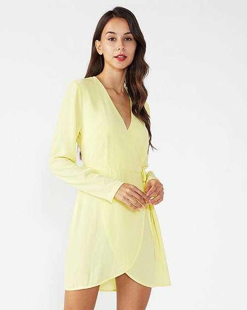 V领系带弧形裙摆长袖连衣裙