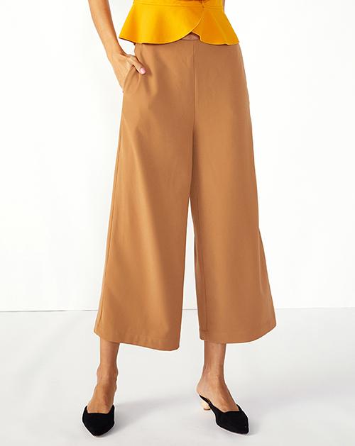 服装加工厂卡其色气质阔腿裤