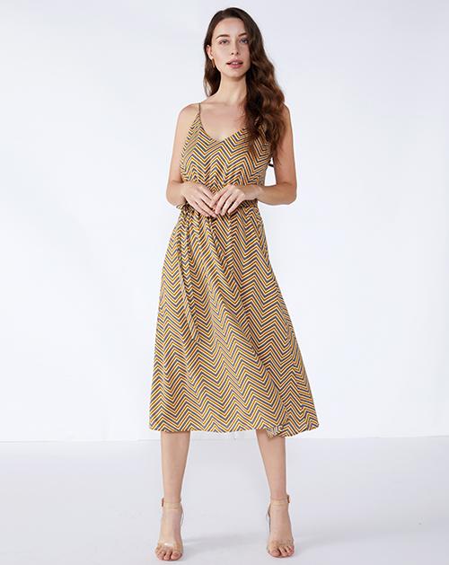广州服装制造厂几何图案中长款吊带连衣裙