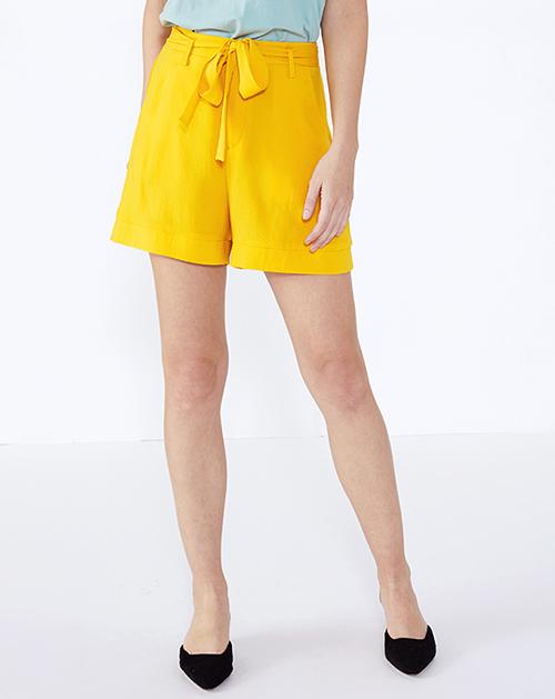 服装厂衣服厂黄色系带高腰短款